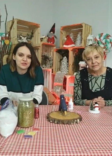 Paulina Sidoruk i Małgorzata Stefańska prowadzą warsztaty plastyczne