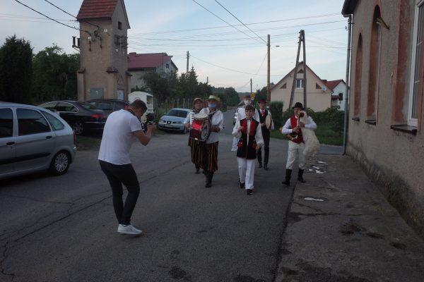Zdjęcie przedstawia orkiestę